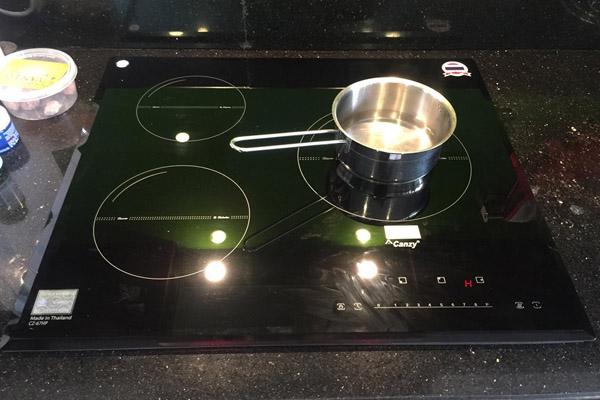 Hình ảnh thực tế bếp từ Canzy CZ-67HP