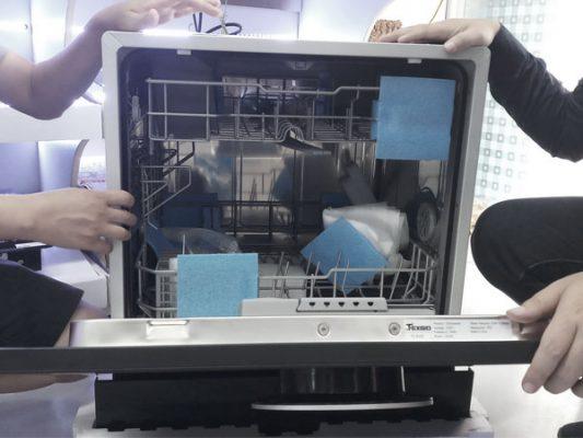 Hình ảnh thực tế bên trong máy rửa bát Texgio TG-BI205